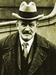 Stephen Leacock   (1869 - 1944)